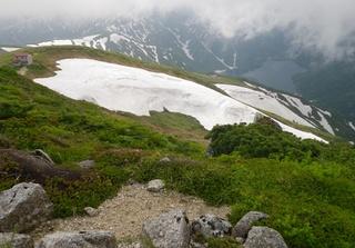 最後の山 以東岳から大鳥池を見る.jpg