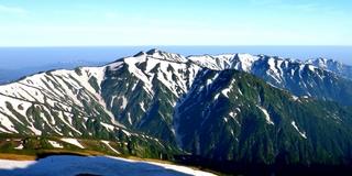 本山から遠く 北股、杁差岳を望む。.JPG